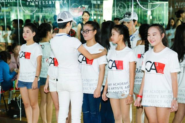 Giọng hát Việt nhí 2016: Vũ Cát Tường mời Xuân Lan dạy catwalk cho học trò - Ảnh 2.