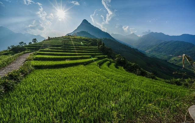 Thiên nhiên Việt Nam đẹp huyền ảo qua ống kính của 9x mê du lịch - Ảnh 8.