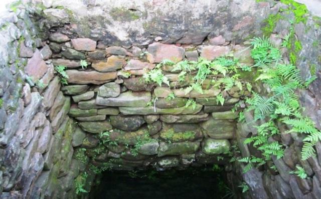 Thanh Hóa: Phát hiện giếng cổ mang dấu ấn văn hóa Chăm Pa - Ảnh 3.