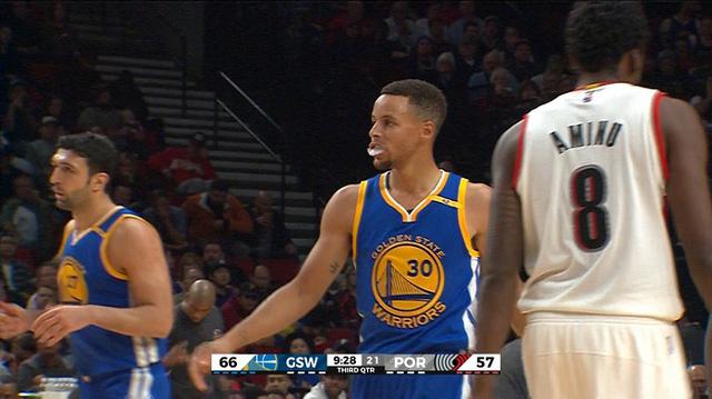 Thi đấu không ấn tượng, Golden State Warriors vẫn thắng dễ Portland Trail Blazers - Ảnh 4.