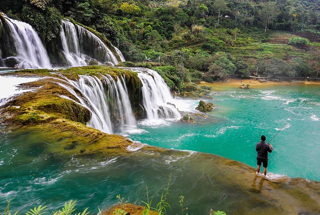 Thiên nhiên Việt Nam đẹp huyền ảo qua ống kính của 9x mê du lịch - Ảnh 4.