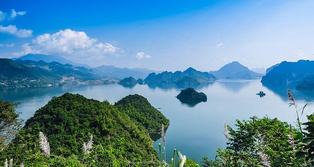 Thiên nhiên Việt Nam đẹp huyền ảo qua ống kính của 9x mê du lịch - Ảnh 11.