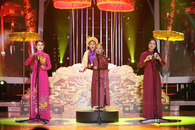 Gương mặt thân quen nhí: Hát chầu văn, Mai Chi khiến giám khảo Hoài Linh thán phục - Ảnh 2.