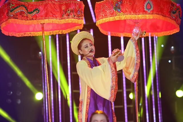 Gương mặt thân quen nhí: Hát chầu văn, Mai Chi khiến giám khảo Hoài Linh thán phục - Ảnh 3.