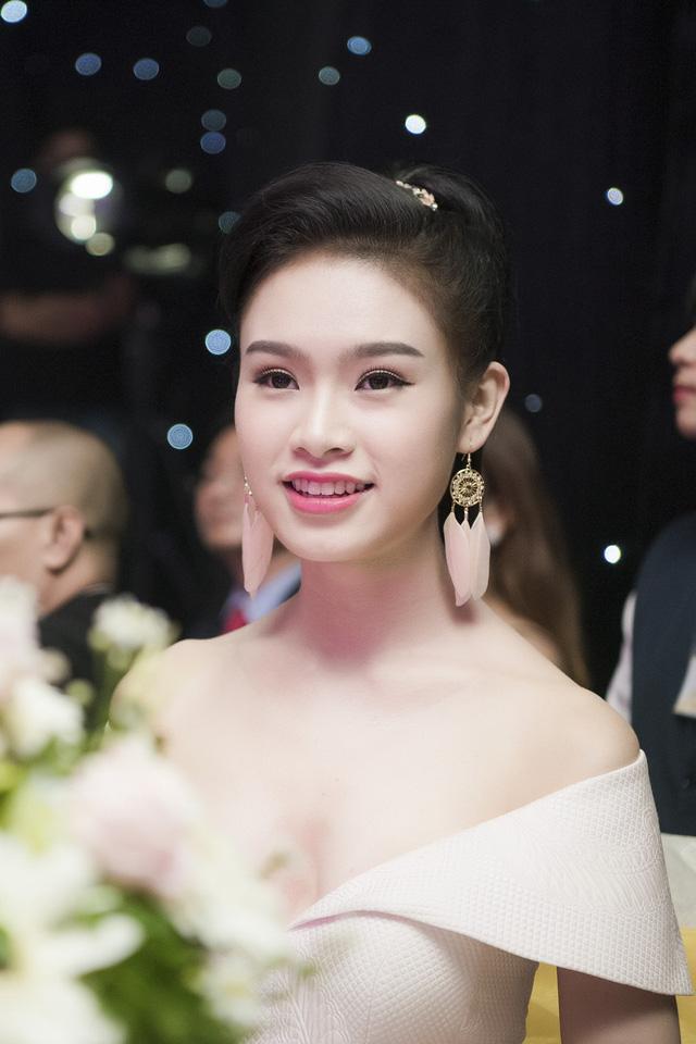 6 gương mặt được kỳ vọng làm nên chuyện tại CK Hoa hậu Việt Nam 2016 - Ảnh 10.