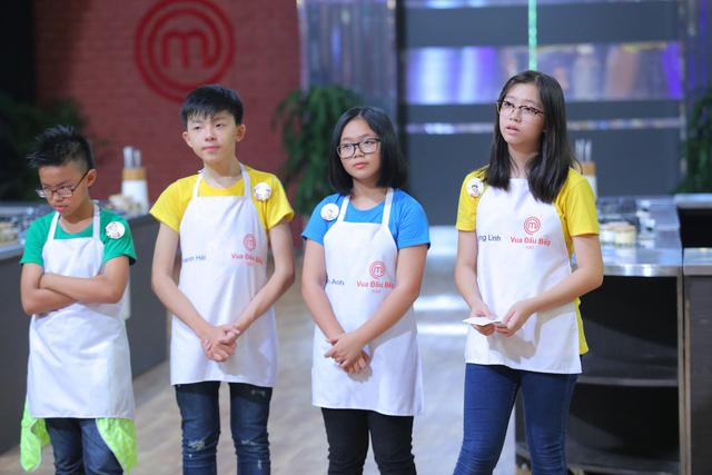 Vua đầu bếp nhí: Cô bé cá tính Phương Linh bật khóc vì không thích Thanh Hải - Ảnh 1.