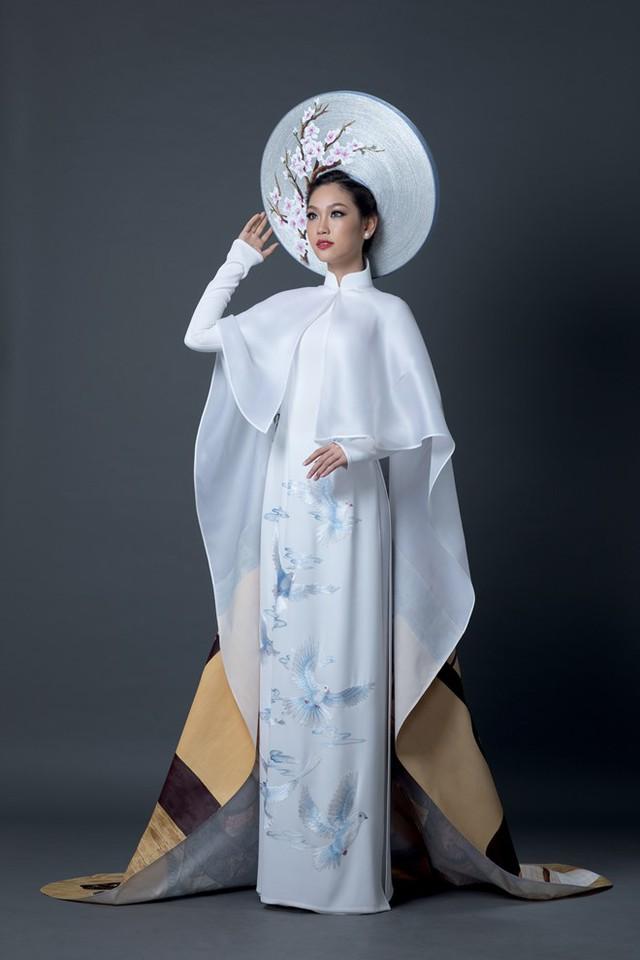 Đây là quốc phục của Phương Linh tại Hoa hậu quốc tế 2016 - Ảnh 1.