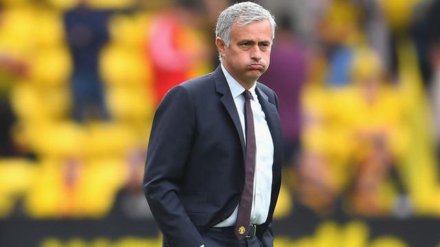 Jose Mourinho và sự cô đơn ở Manchester United - Ảnh 1.