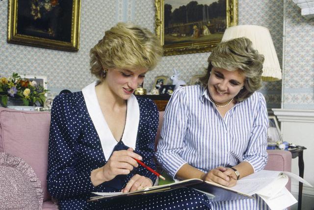 Những bức ảnh rất đẹp về Công nương Diana mà bạn có thể chưa biết - Ảnh 3.