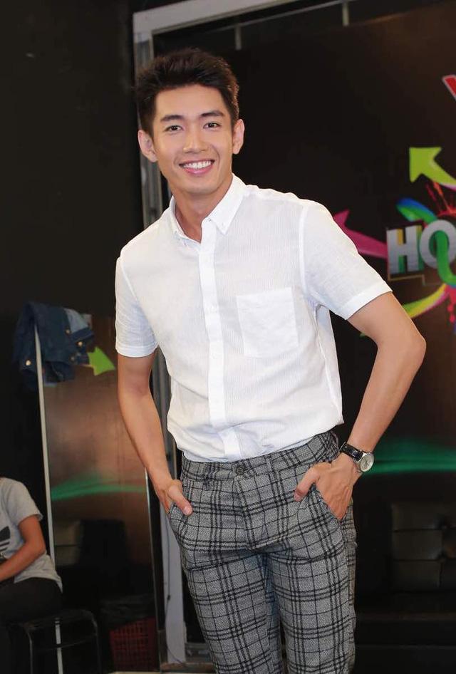 Hoán đổi: Quang Đăng tình cảm đệm đàn cho Hương Giang Idol - Ảnh 2.