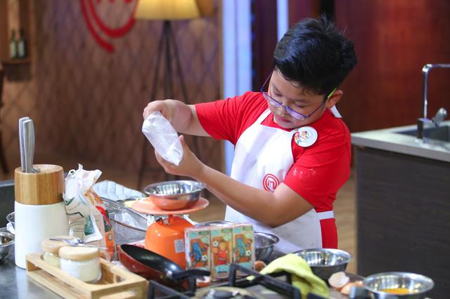 Vua đầu bếp nhí: Công chúa bánh thống trị gian bếp với món sở trường - Ảnh 8.