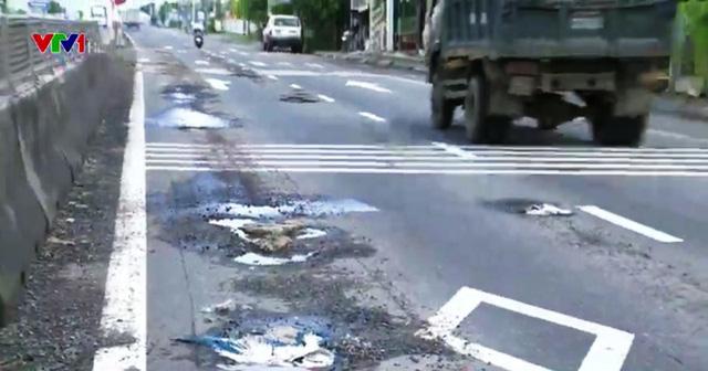 Quốc lộ 1 đoạn qua Phú Yên hư hỏng sau... 1 năm nâng cấp - Ảnh 1.