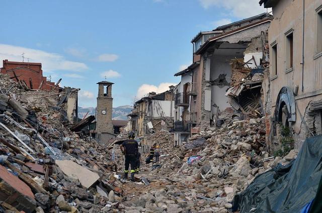 1 tháng sau động đất, Italy thiệt hại hơn 4 tỷ Euro - Ảnh 1.