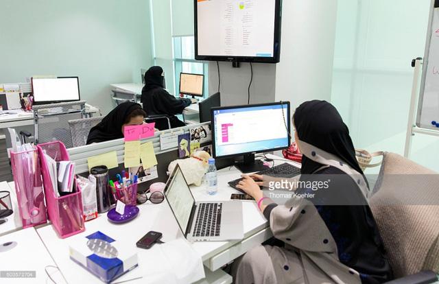 Gian nan hành trình đấu tranh vì quyền phụ nữ tại Saudi Arabia - Ảnh 1.