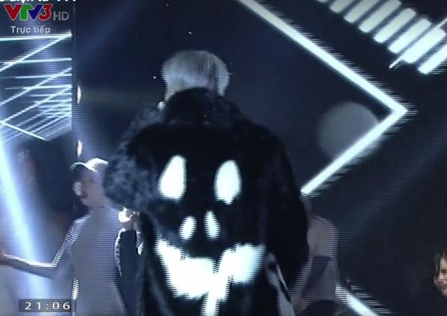"""Khoe hit mới tại CK The Face, Sơn Tùng M-TP bị chê hát live kém, """"đạo"""" G-Dragon - Ảnh 2."""