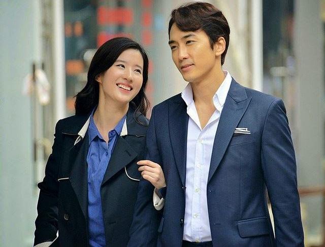 Song Seung Hun và Lưu Diệc Phi vẫn đang rất hạnh phúc - Ảnh 1.