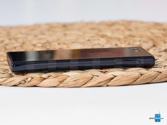 Cận cảnh Sony Xperia X Compact mới ra mắt với giá 500 USD - Ảnh 8.