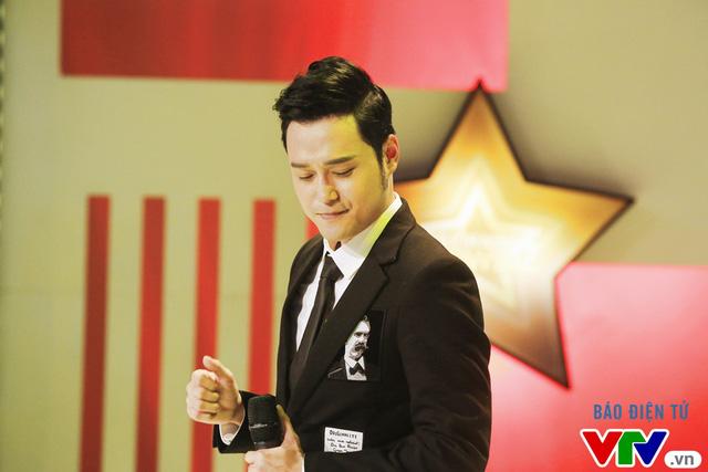 Muôn màu showbiz: Quang Vinh đãi fan Hà Nội với loạt hit cũ - Ảnh 2.
