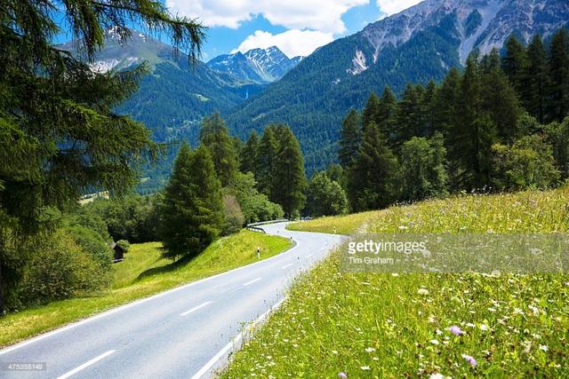 Khám phá cảnh sắc thiên nhiên tuyệt đẹp của đất nước Thụy Sĩ - Ảnh 13.