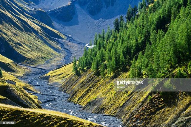 Khám phá cảnh sắc thiên nhiên tuyệt đẹp của đất nước Thụy Sĩ - Ảnh 2.