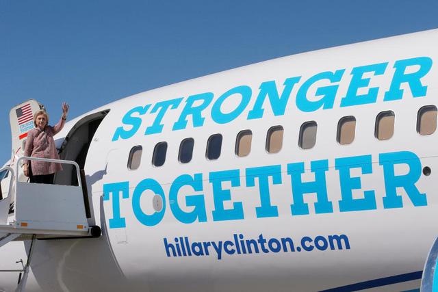 Sau ồn ào về sức khỏe, bà Hillary Clinton đã trở lại đường đua vào Nhà Trắng - Ảnh 3.