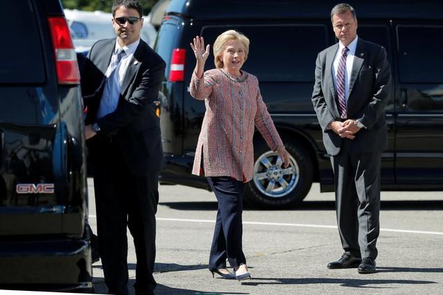 Sau ồn ào về sức khỏe, bà Hillary Clinton đã trở lại đường đua vào Nhà Trắng - Ảnh 1.