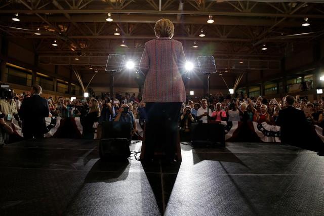 Sau ồn ào về sức khỏe, bà Hillary Clinton đã trở lại đường đua vào Nhà Trắng - Ảnh 6.