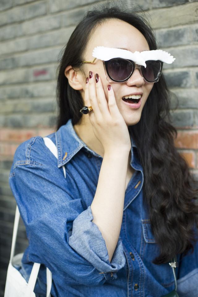 Những tín đồ thời trang Trung Quốc chơi trội bằng phụ kiện độc - Ảnh 18.