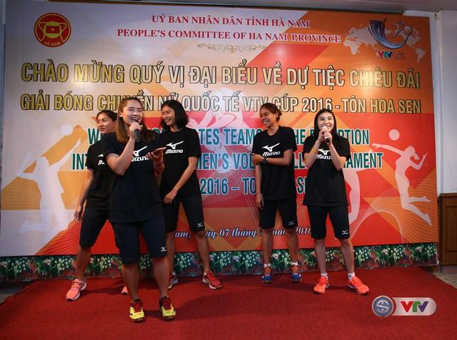 VTV Cup 2016 Tôn Hoa Sen: BTC địa phương tổ chức giao lưu với các đội tham dự giải  - Ảnh 4.