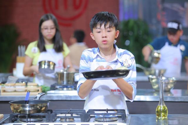 Vua đầu bếp nhí: Thí sinh lao đao vì ba loại món cuốn - Ảnh 5.