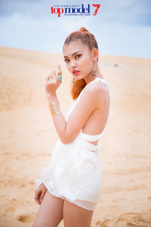 Chân dài Next Top Model 2016 nóng bỏng trên đồi cát Phan Thiết - Ảnh 9.