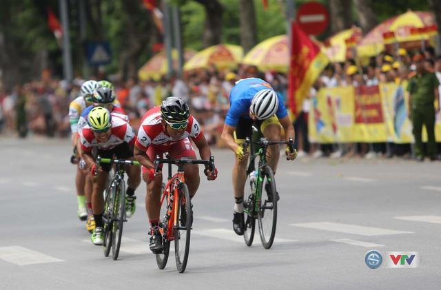 Ảnh: Những khoảnh khắc đẹp chặng 10 Giải xe đạp quốc tế VTV - Cúp Tôn Hoa Sen 2016 - Ảnh 4.