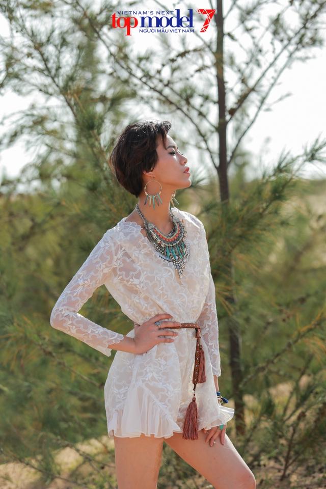 Chân dài Next Top Model 2016 nóng bỏng trên đồi cát Phan Thiết - Ảnh 17.