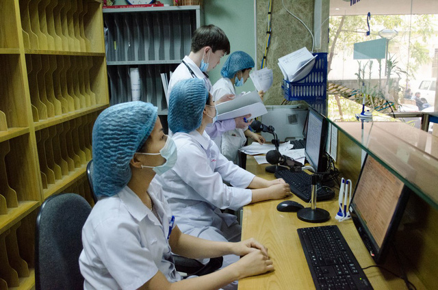 Đề phòng các bệnh dễ gặp thời điểm giao mùa Đông Xuân - Ảnh 2.