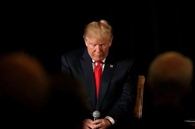 Liên tục gặp rắc rối về tài chính, ông Trump bị bà Clinton bỏ xa - Ảnh 1.