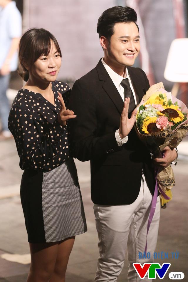 Muôn màu showbiz: Quang Vinh đãi fan Hà Nội với loạt hit cũ - Ảnh 4.