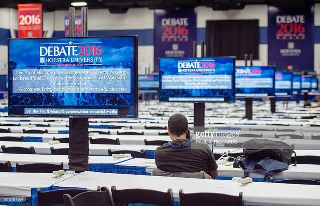 Hai ứng viên Tổng thống Mỹ chuẩn bị tranh luận trực tiếp - Ảnh 2.