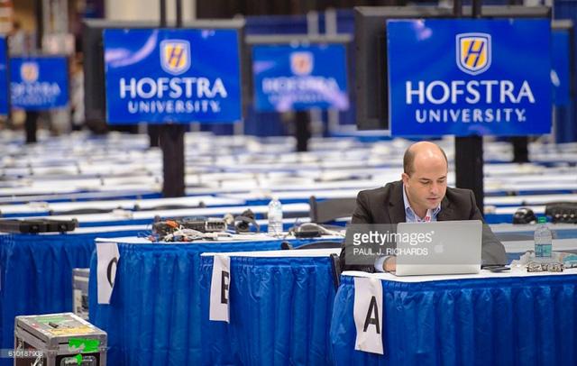 Hai ứng viên Tổng thống Mỹ chuẩn bị tranh luận trực tiếp - Ảnh 3.
