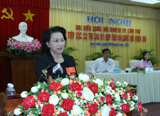 Chủ tịch Quốc hội tiếp xúc cử tri thành phố Cần Thơ - Ảnh 2.