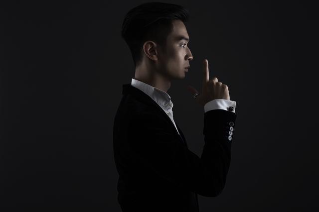 Slim V ra mắt siêu phẩm đầu tay kết hợp cùng thí sinh The Voice Đức - Ảnh 2.