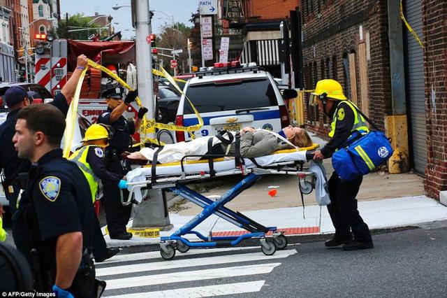 Tai nạn tàu hỏa tại Mỹ: 3 người vẫn nguy kịch - Ảnh 8.