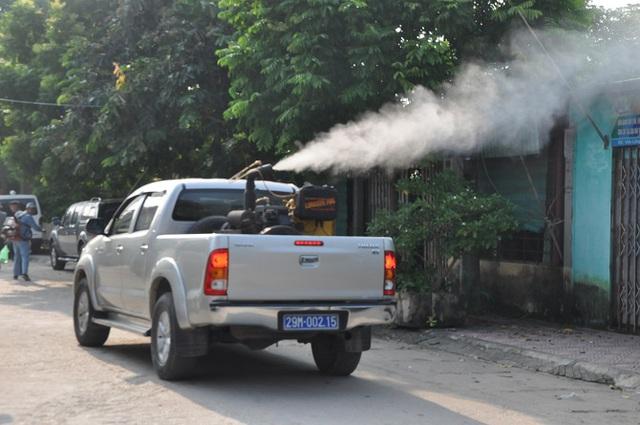 Hà Nội đẩy mạnh hoạt động chống dịch sốt xuất huyết, Zika lan rộng - Ảnh 1.