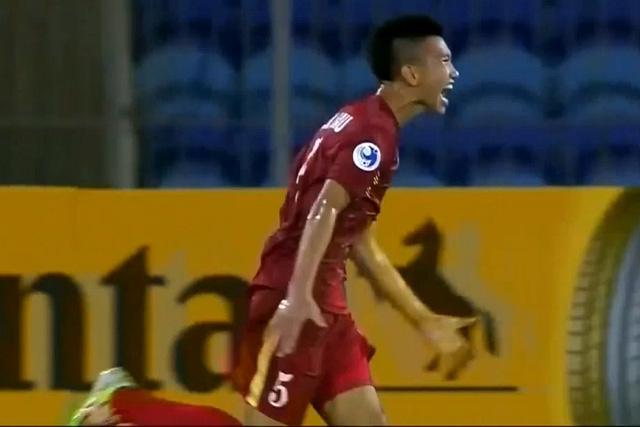 Văn Hậu lập siêu phẩm, U19 Việt Nam thắng trận ra quân - Ảnh 3.