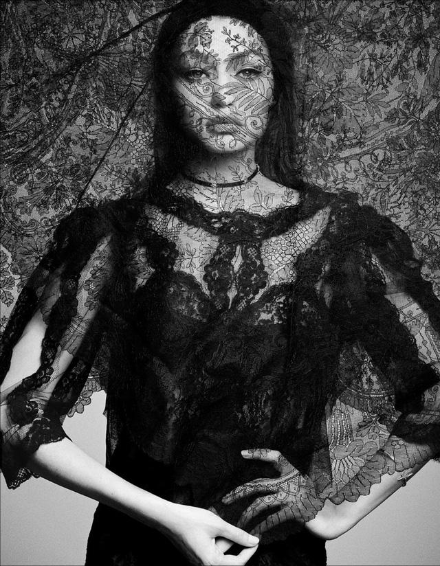 Gigi Hadid lột xác bí ẩn với thiết kế ren trên tạp chí Nhật - Ảnh 6.
