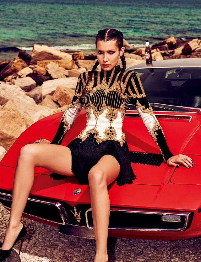 Bella Hadid khoe dáng cá tính bên trai đẹp - Ảnh 6.