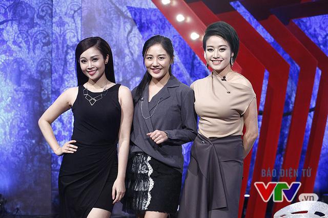 Văn Mai Hương nhí nhố selfie, đọ dáng với MC VTV - Ảnh 3.