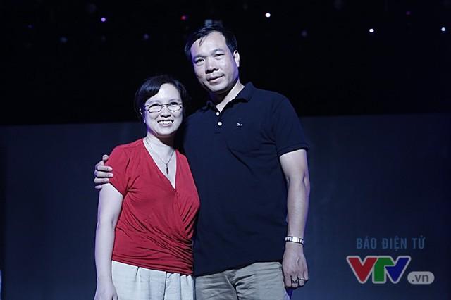 Xạ thủ Hoàng Xuân Vinh gây bão tại VTV Awards 2016 - Ảnh 2.