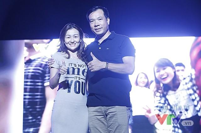 Xạ thủ Hoàng Xuân Vinh gây bão tại VTV Awards 2016 - Ảnh 3.