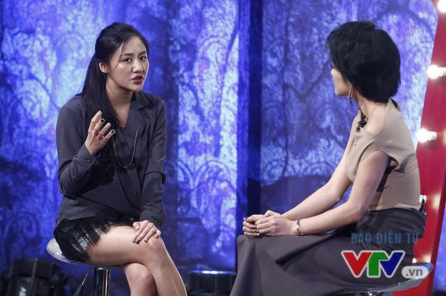 Văn Mai Hương nhí nhố selfie, đọ dáng với MC VTV - Ảnh 6.