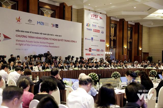 Thủ tướng Nguyễn Xuân Phúc: Doanh nghiệp Việt Nam hãy mạnh mẽ ra khơi - Ảnh 1.